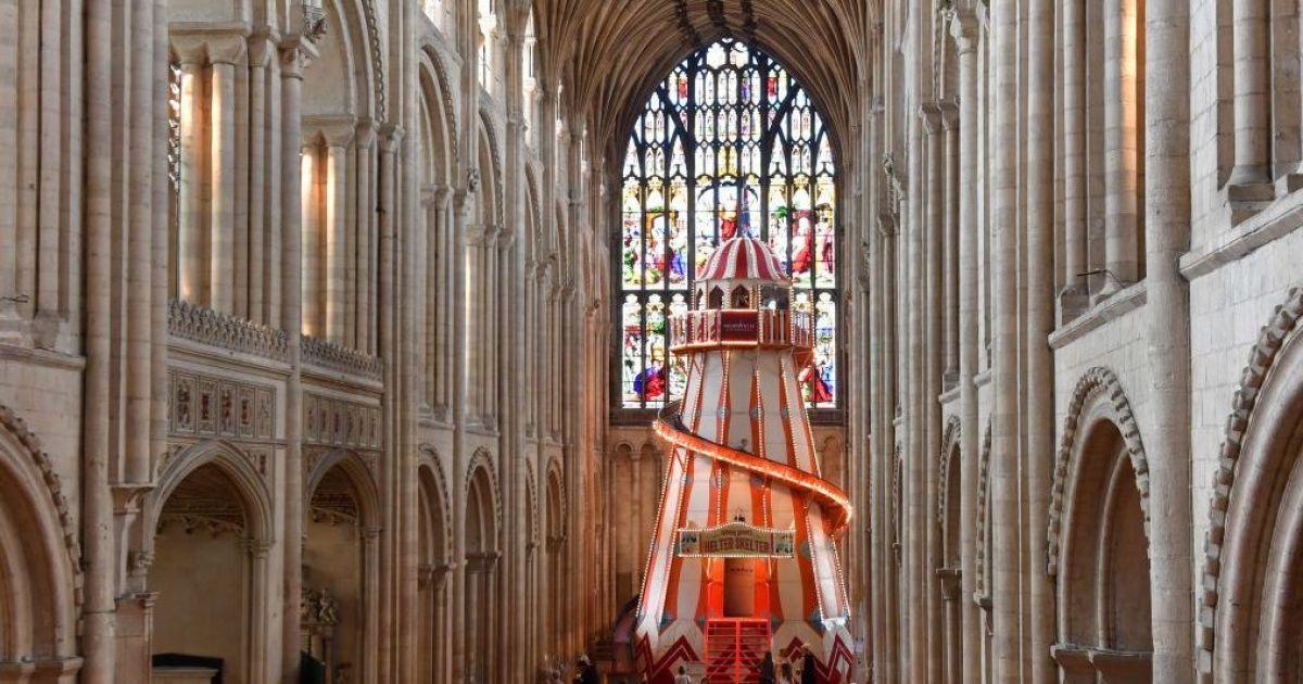 У Англії до церкви залучають відвідувачів незвичайним способом