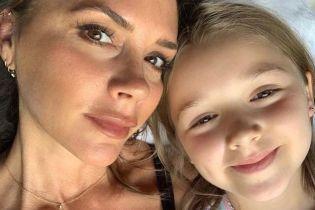 Селфи с дочерью и время проведенное с семьей: Виктория и Дэвид Бекхэм наслаждаются отпуском в Италии