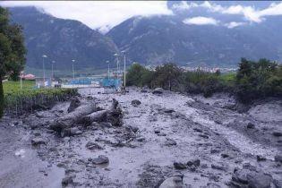 Швейцарский город накрыл мощный селевой поток. Двое людей пропали без вести