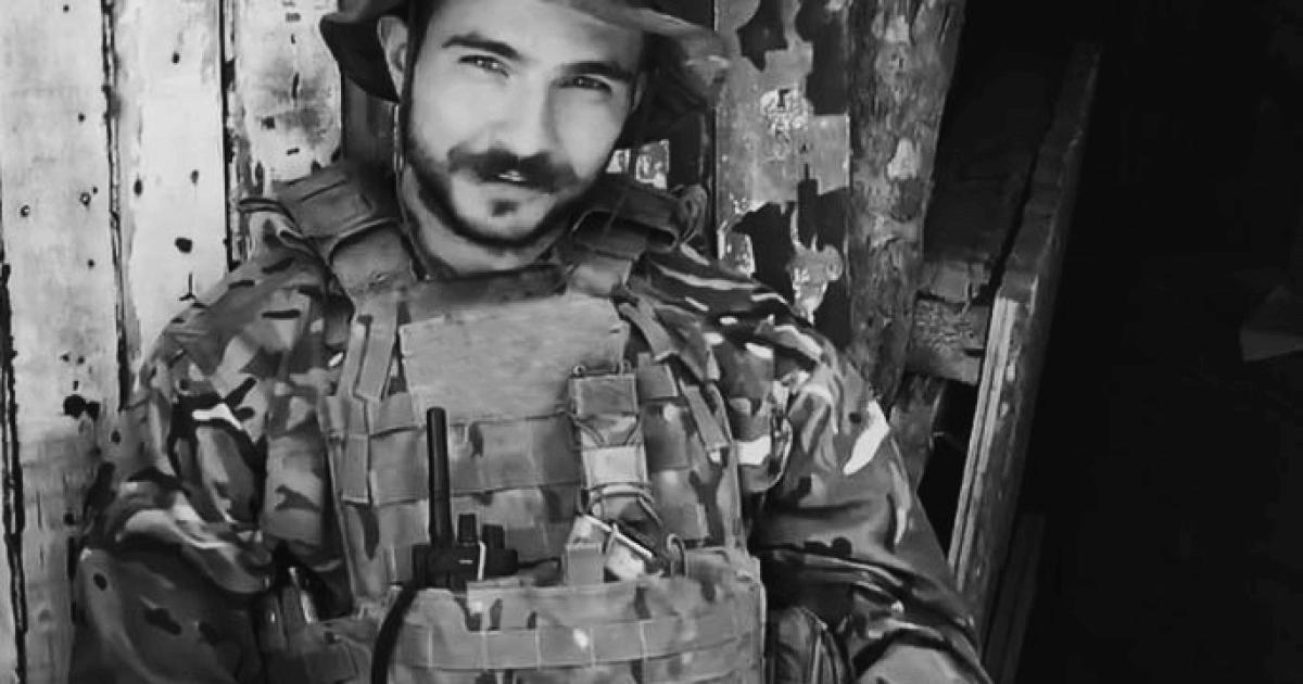 """Не віддавали три доби: бійцям """"Азову"""" вдалося забрати в окупантів тіло загиблого побратима"""