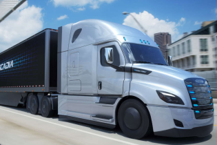 Электрофуру Daimler будут тестировать вместе с Tesla Semi