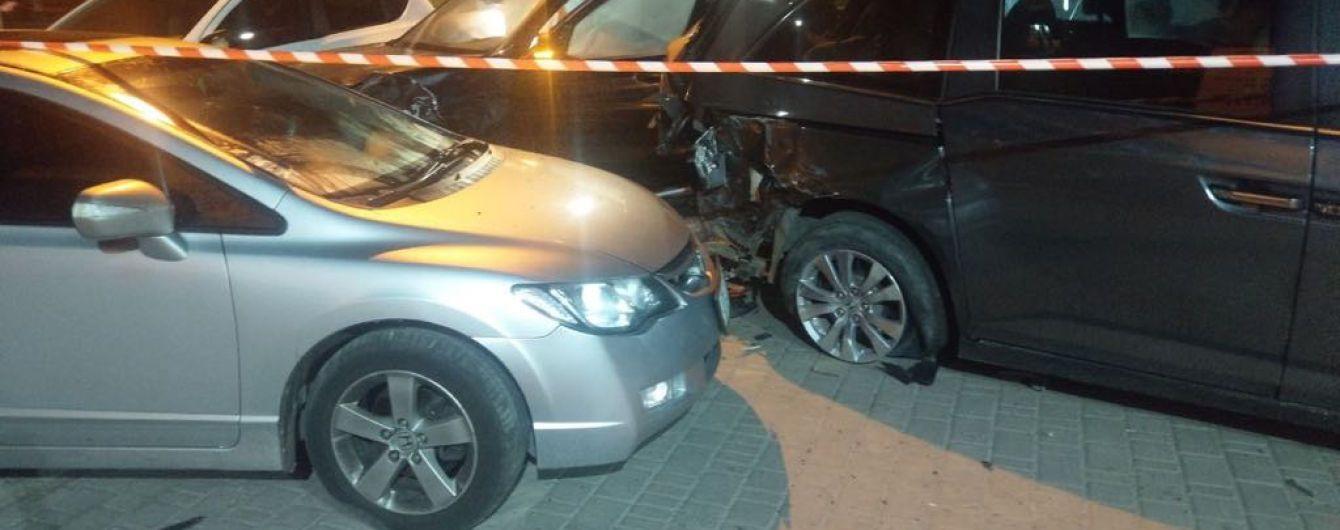 В Івано-Франківську 20-річна модель на BMW потрощила п'ять машин – ЗМІ