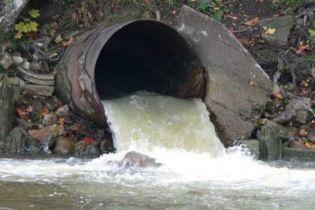 Экоинспекторы нашли причины загрязнения Русановской протоки в Киеве