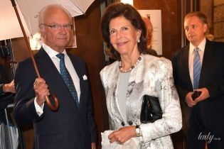 В лаконичном платье и колготках с блестками: 75-летняя королева Сильвия сходила в филармонию