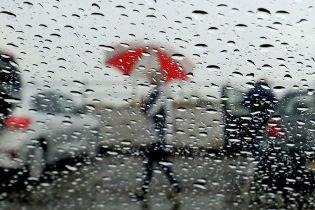Погодана четвер: в Україні обіцяють дощі, грози та спеку