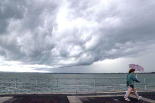 Погода на четверг: в большинстве областей страны будут дожди и грозы