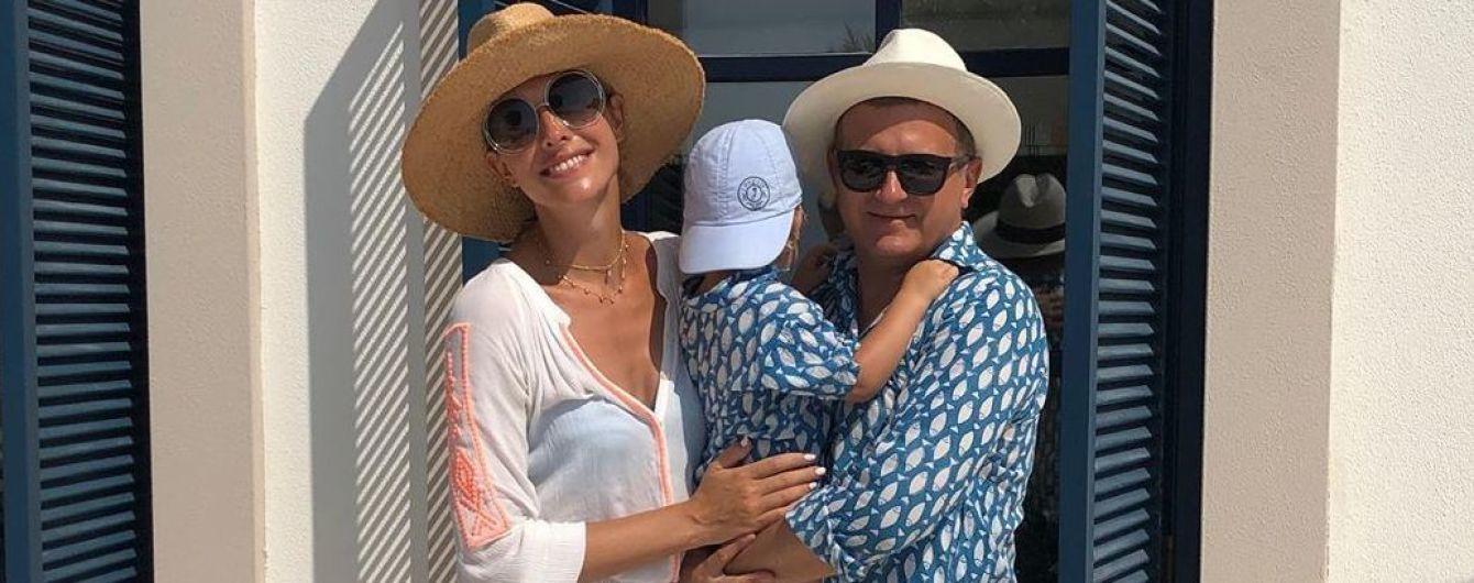 Отдыхают вместе с сыном: Осадчая и Горбунов поделились семейным снимком из Турции