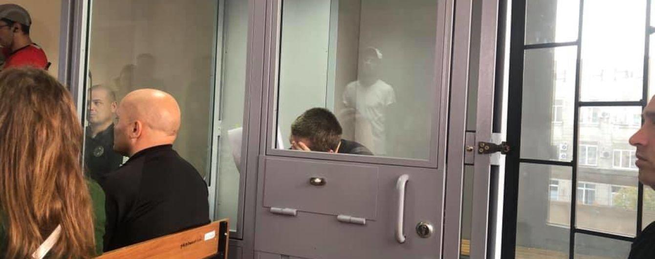 На суде подозреваемый в убийстве Дианы Хриненко не поднимает головы