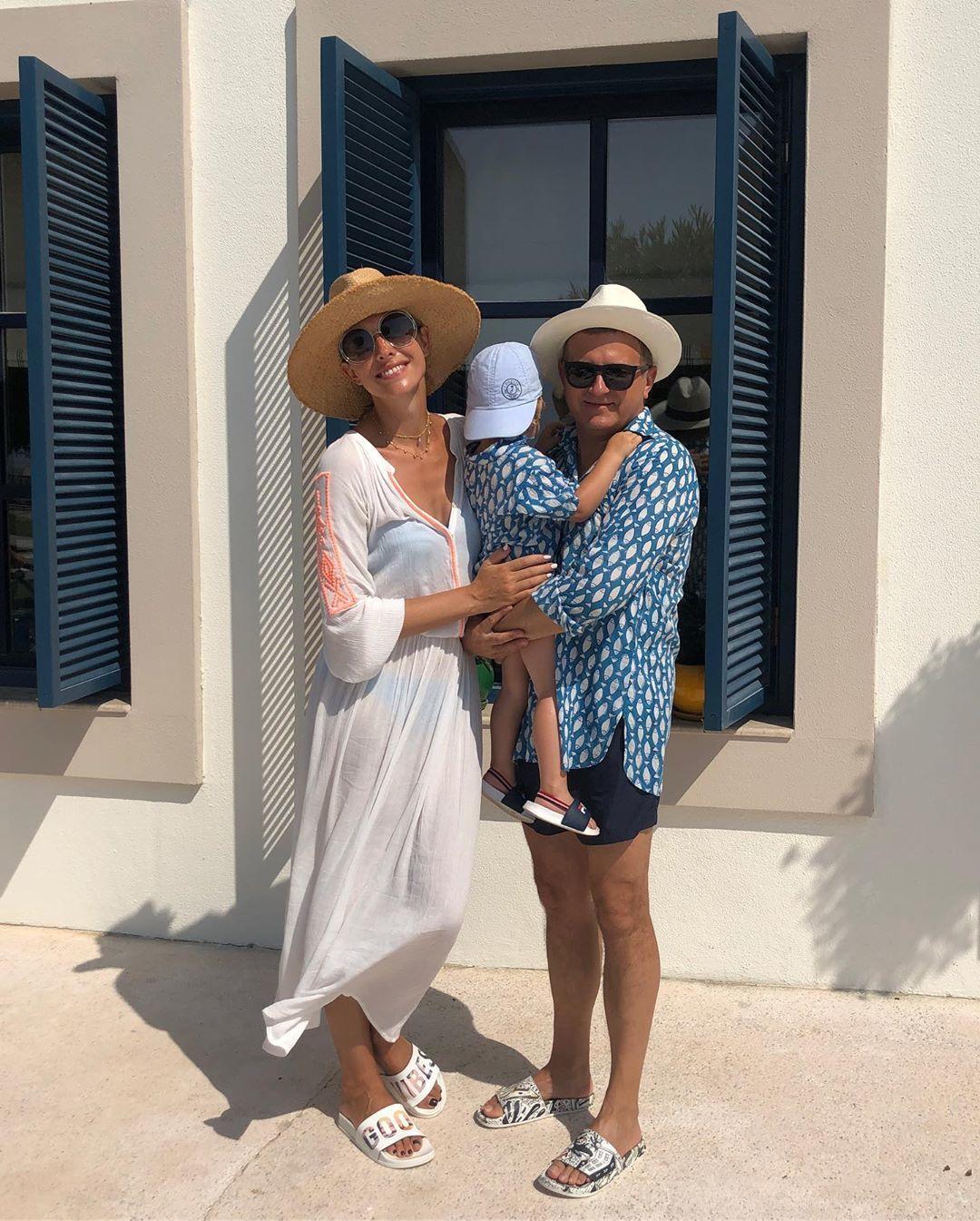 Катерина Осадча з чоловіком та сином_3