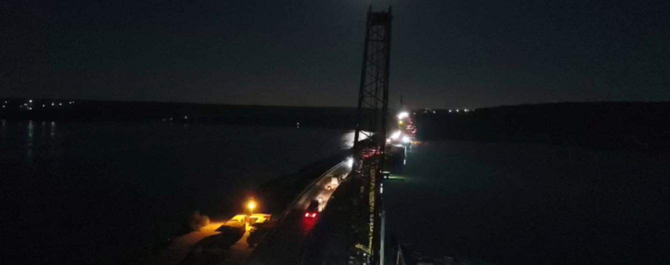 Будівництво мосту через Хаджибейський лиман показали на відео