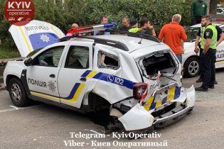 Женщина на Audi ударом положила на бок патрульное авто в Киеве. Есть пострадавшие