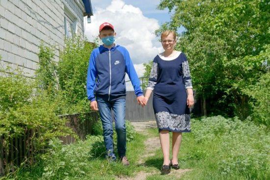 Родина Нестеруків змушена просити фінансової допомоги на лікування сина Андрія і мами Ніни