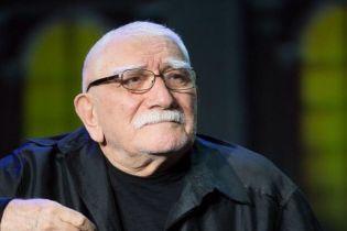 После операции Армен Джигарханян находится в тяжелом состоянии - СМИ