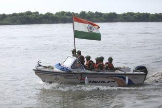 На границе Индии и Пакистана произошла кровавая перестрелка между военными