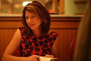 """Українською вийшов роман американської письменниці Поли Мак-Лейн""""Паризька дружина"""""""