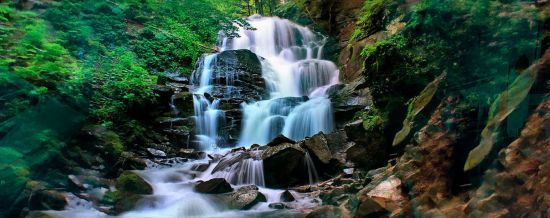 Водоспад Шипіт — найбільший в Карпатах