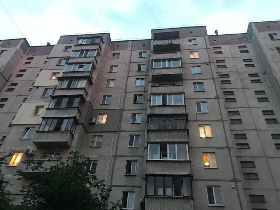 дитина випала з 9 поверху в Кременчуці_2