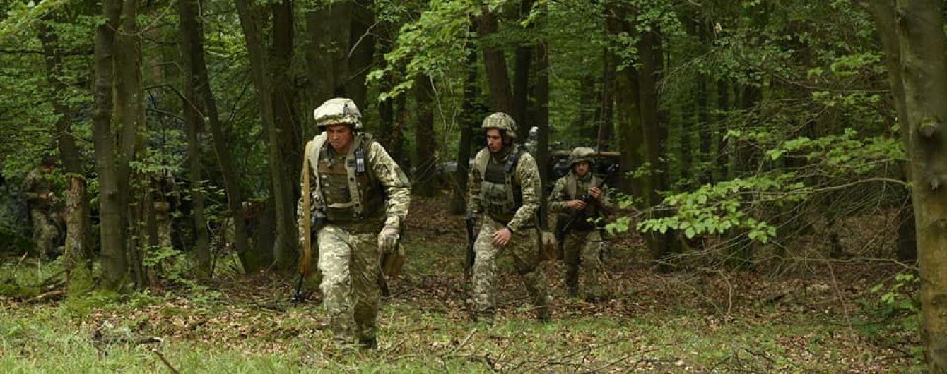 """Украинские военные возле оккупированной Горловки взяли в плен """"знатную рыбу"""" - волонтер"""