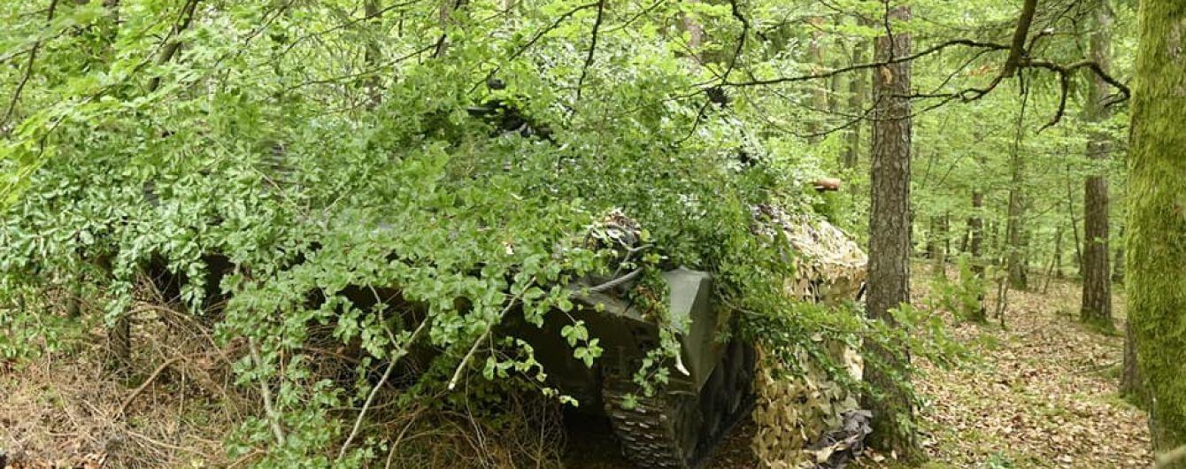 """Боєць """"Азову"""" після обстрілу снайпера отримав поранення: воїн сам надав собі першу допомогу"""