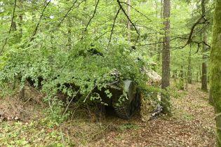 """Боец """"Азова"""" после обстрела снайпера получил ранение: воин сам оказал себе первую помощь"""