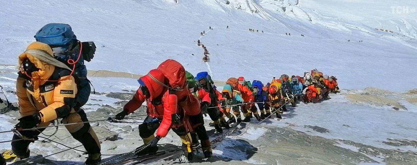 Подняться на Эверест станет сложнее и дороже: новые правила покорения Джомолунгмы