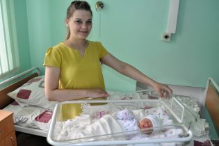 Зручності для молодих матусь: пологові будинки України зобов'яжуть будувати одномісні палати
