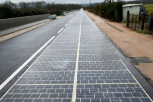 Первая солнечная дорога во Франции с треском провалила все ожидания