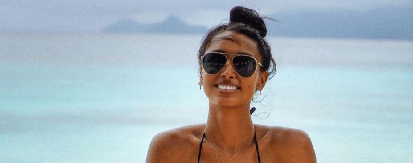 Вона бездоганна: Жасмін Тукс у стильних купальниках продемонструвала ідеальну фігуру