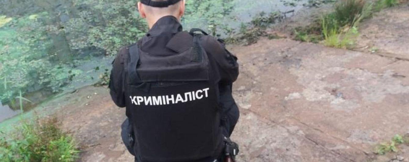 Чоловік розчленував тіло, поклав у пакет і виніс у канал: поліція Києва затримала підозрюваного у жорстокому вбивстві