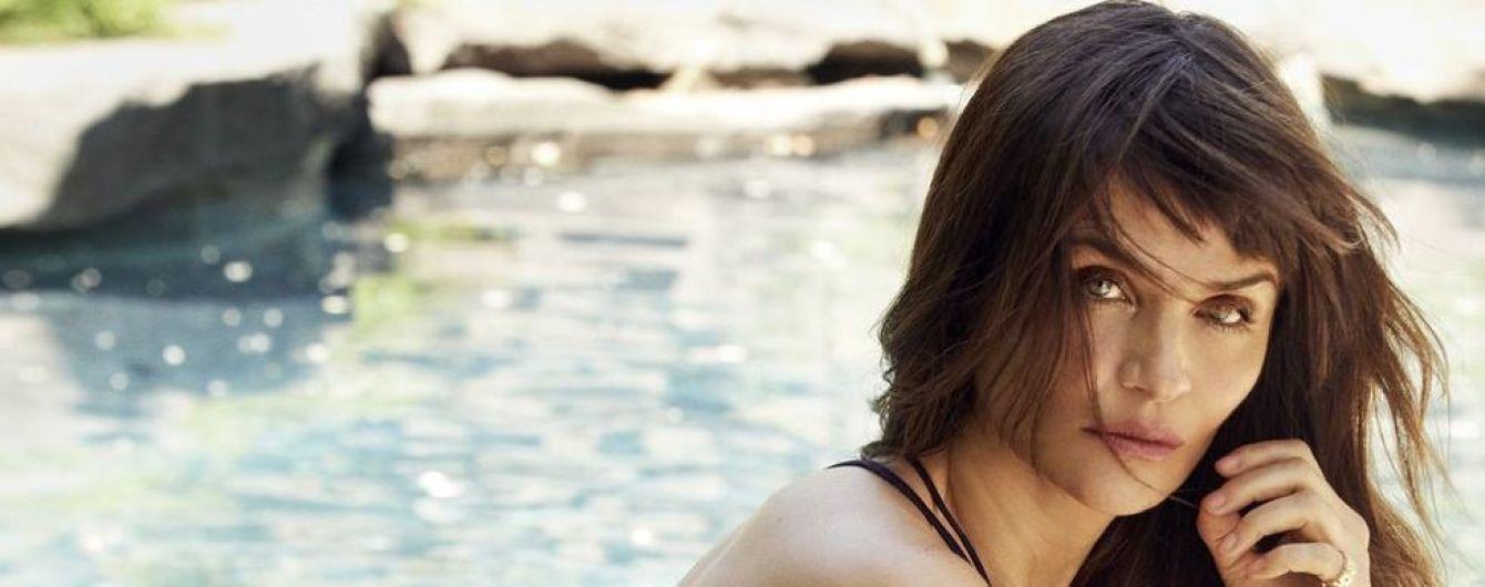 50-річна Гелен Крістенсен у купальнику постала у сексуальній фотосесії