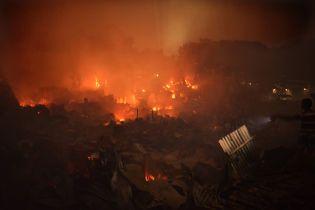 Грандиозный пожар в Бангладеш уничтожил 15 тысяч домов