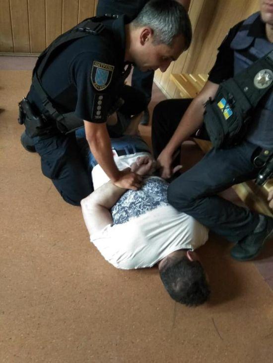 П'яний помічник начальника обласної поліції скоїв потрійне ДТП і втік. Його вже затримали