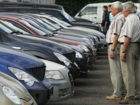 В Україні власники елітних авто сплатили майже 90 мільйонів гривень податку