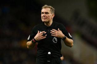 Суддя матчу Чемпіонату Англії застряг у заторі і не встиг на гру