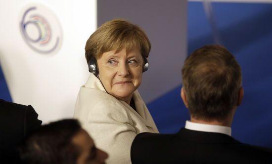Меркель запевнила в готовності Берліна до Brexit без угоди