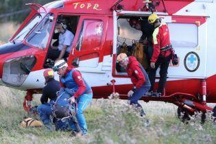 В польских Татрах застряли двое ученых. Их двое суток пытаются вытащить спасатели