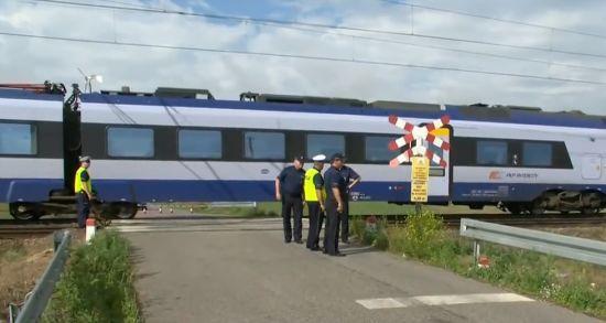 У Польщі один поїзд збив матір та двох дітей, а другий переїхав їх