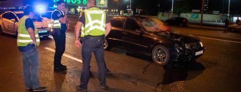 У Києві водій збив дівчину на переході і втік з місця трагедії