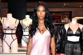 В красивом бельевом платье: Жасмин Тукс на презентации Victoria's Secret