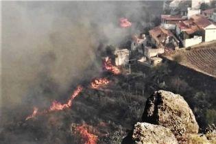 Лесные пожары на Канарах. Из-за бедствия эвакуировали около 9 тысяч человек