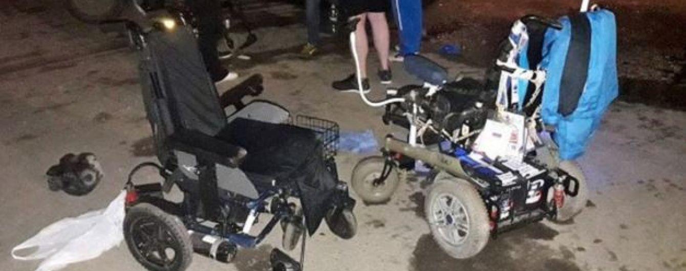 В России водитель лишенный прав нарочно въехал в трех колясочников
