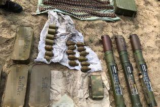 В зоне ООС обнаружили закопанными боеприпасы