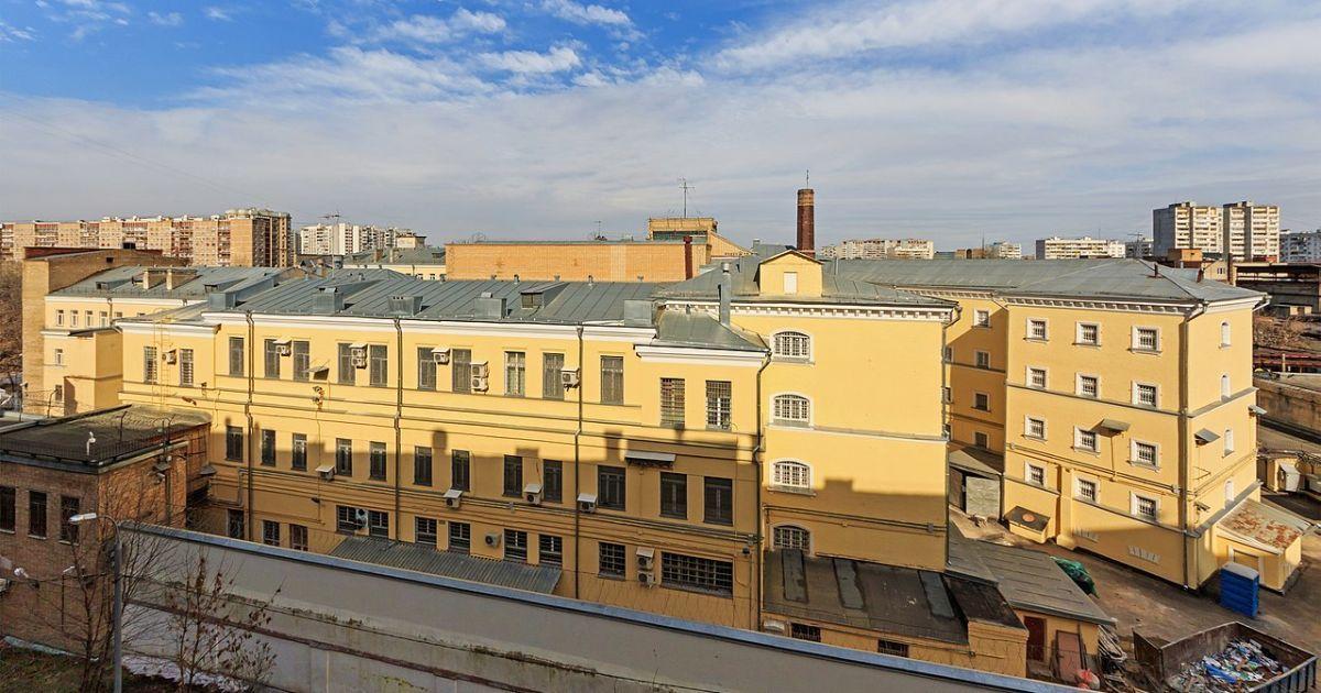 Тримали без одягу і взуття на морозі у -14°: адвокат розповів про тортури кримчанина у в'язниці РФ