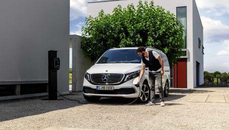 Mercedes показал первый серийный электробус
