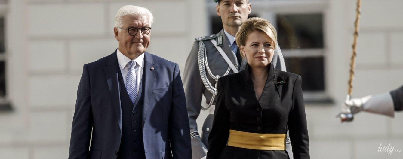В елегантному костюмі з яскравим аксесуаром: вишуканий образ президентки Словаччини Зузани Чапутової