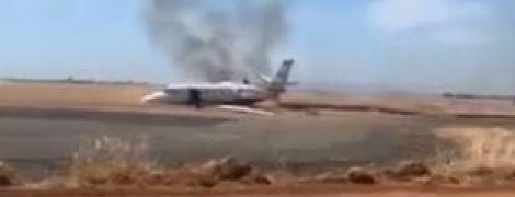 У Каліфорнії під час зльоту загорівся пасажирський літак