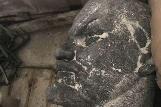 На Днепропетровщине как металлолом продали 6-тонный памятник Ленину