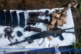На Луганщине в заброшенной школе найдено арсенал боеприпасов