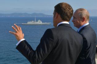 Макрон и Путин обсудили проведение встречи в нормандском формате