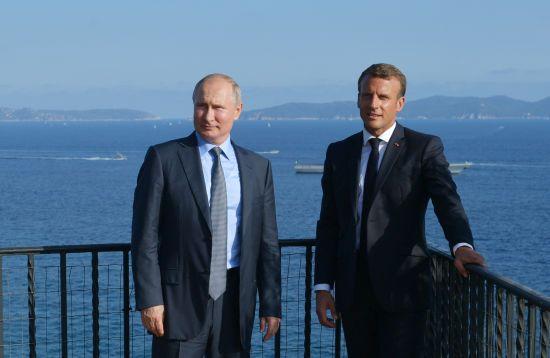 В Кремлі підтвердили перемовини Путіна та Макрона щодо звільнення українських політв'язнів